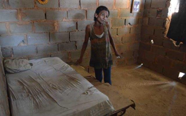 Familia  Vílchez Navarro sobrevive con sobras de comida |
