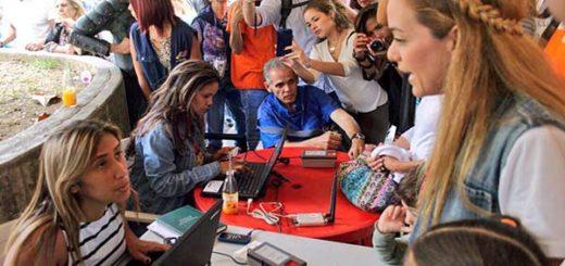 Lilian Tintori dijo presente en jornada de Voluntad Popular para validación en CNE |Foto Twitter