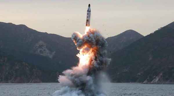 Corea del Norte lanza misil  Foto referencial, crédito: EPA/KCNA