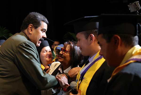 Presidente Nicolás Maduro durante acto del Día del Médico, en el Teatro Teresa Carreño |Foto: Prensa Presidencial