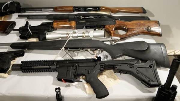 Florida es considerado uno de los estados con mayores facilidades para llevar armas del mercado legal al mercado ilegal | Getty Images