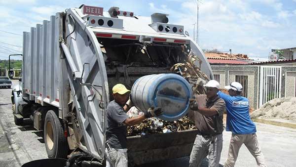 Trabajadores de aseo urbano | Foto referencial