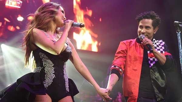 Dulce María y Christian Chávez se reencontraron en el escenario   Foto: Twitter