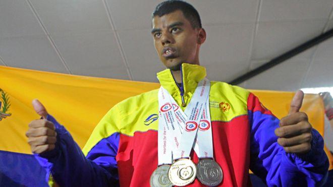 Leonardo Acosta ganó medallas de oro, plata y bronce en los Juegos de Invierno | Foto: Iván Ocando