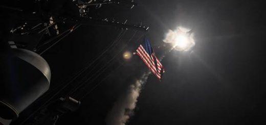 Bombardeo de Estados Unidos a base aérea siria | Foto: U.S. Navy