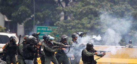 2017-04-10T175437Z_823635593_RC1B0B8B9650_RTRMADP_3_VENEZUELA-POLITICS