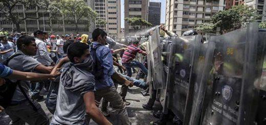 PNB detuvo a varios manifestantes |Foto: AFP