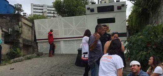 Contingente de la GNB cerró el paso a cárcel de Ramo Verde este #28Abr   Foto: Vía Twitter