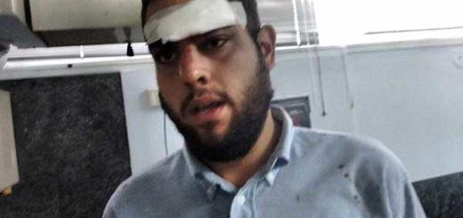 Colectivos atacaron al diputado Juan Requesens frente a la Defensoría del pueblo | Foto: Twitter