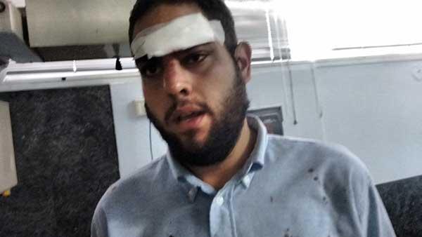 Colectivos atacaron al diputado Juan Requesens frente a la Defensoría del pueblo   Foto: Twitter