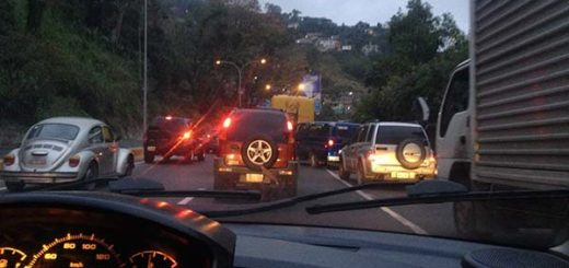 Vía Tazón bloqueada | Foto: Twitter