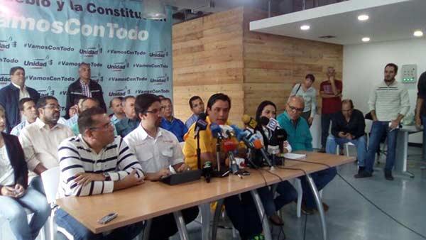 MUD y Primero Justicia fijarán posición este lunes tras señalamientos de Maduro   Foto: Referencial