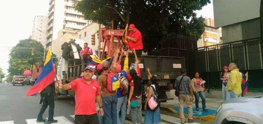 Oficialismo comienza a congregarse en los puntos de encuentro de este miércoles #19A| Foto: @ReporteYa