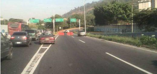 Cierran accesos a Caracas por el Oeste |Foto: Twitter