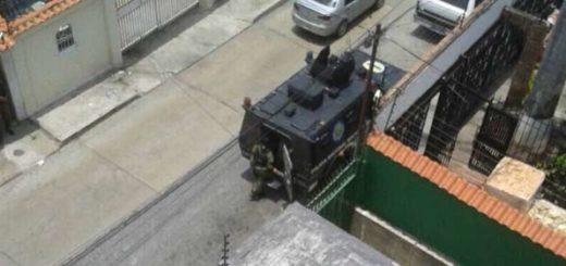 Diputada Dinorah Figuera denuncia tanquetas de la GNB frente su casa |Foto: Twitter