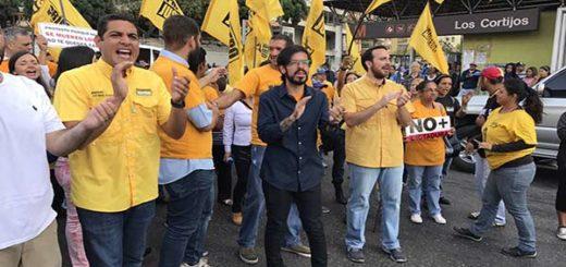 Diputados protestan en la Francisco de Miranda |Foto: @Pjdiputados