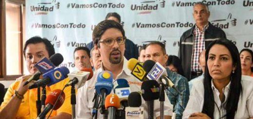Freddy Guevara, Vicepresidente de la AN, junto a diputados Carlos Paparoni y Delsa Solórzano  Foto: Nota de prensa