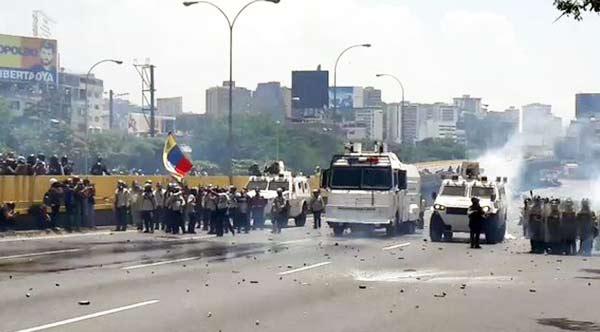 Reprimen manifestación en la Autopista Francisco Fajardo |Captura de video