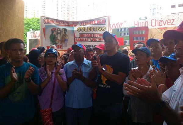 Chavistas fueron caceroleados en El Valle |Foto: La Patilla