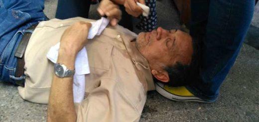 Diputado José Guerra fue agredido con bombas lacrimógenas  Foto: Efecto Cocuyo