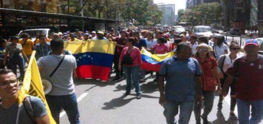 Venezolanos empiezan a movilizarse hacia el centro de Caracas |Foto Twitter