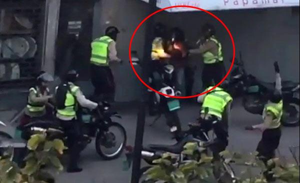 Policías Nacionales agreden a manifestante | Foto: captura de video