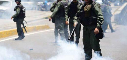 Cuerpos de seguridad arrecian la represión este #26Abr |Foto: @ReporteYa