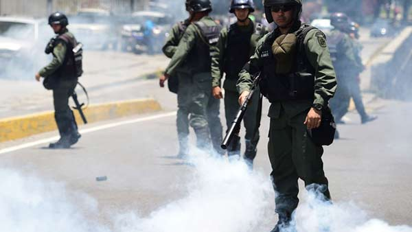 Bolivia niega haber enviado militares a Venezuela para reprimir | Foto: @ReporteYa