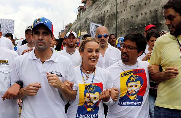 Oposición marchará por séptima vez hacia la Defensoría |Foto: Reuters (tomada durante la Marcha del silencio #22A)