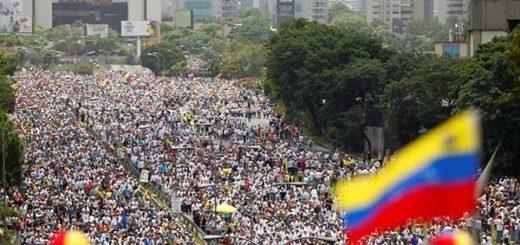 Oposición venezolana seguirá en las calles hasta lograr el cambio |Foto: Reuters/ protesta 19A