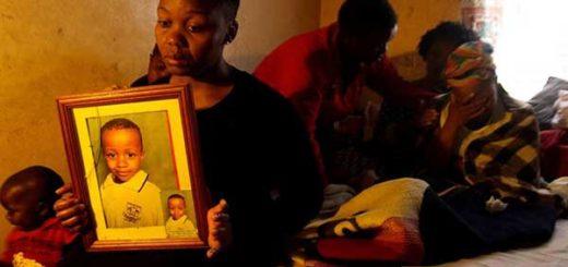 Una multitud intentó linchar a un 'vampiro' que degolló y bebió la sangre de un niño en Sudáfrica | Foto: sowetanlive.co.za