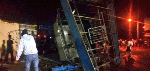 Módulo de la PNB fue destruido durante los disturbios |Foto: Twitter