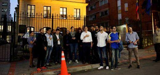 Venezolanos en Bogotá piden que OEA suspenda a Venezuela | Foto: La Patilla