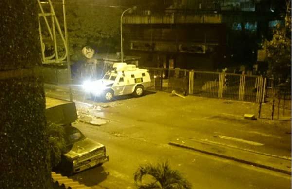 No hay unidades de transporte de Guarenas a Caracas |Foto Twitter