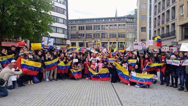 Venezolanos protestan desde Alemania |Foto: @RedesAyuda