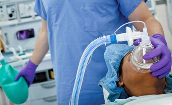 Denuncian anestesiólogos express | Foto referencial