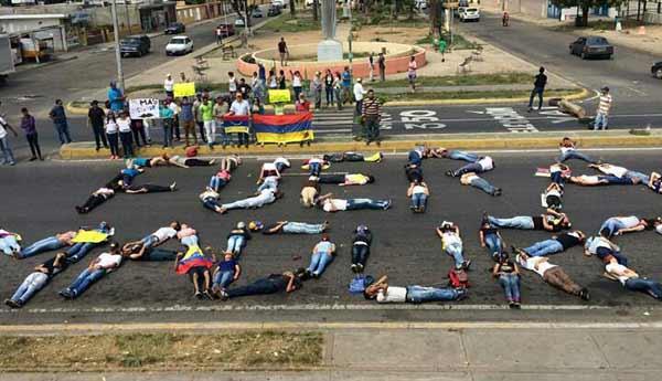 Jóvenes protestaron en Carora, Lara | Foto: @DipMarquina