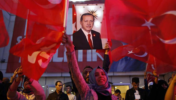 Presidente de Turquía,  Recep Tayyip Erdogan, gana referéndum | Foto: AP