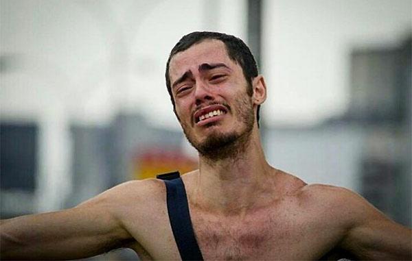 Hans Wuerich, el estudiante que se desnudó durante protesta / Foto: EFE