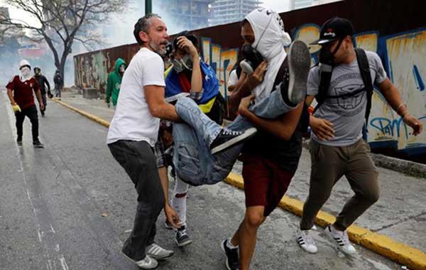 Más de 200 heridos y 18 detenidos dejó la protesta de este lunes