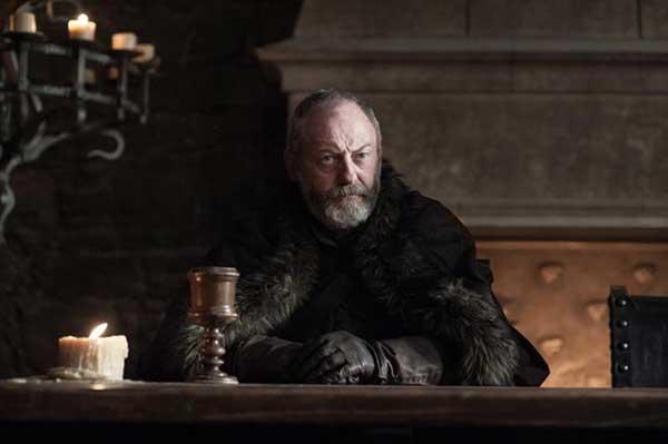 Ser Davos (Liam Cunningham) todavía lamenta la muerte de la pequeña Shireen. (HELEN SLOAN / HBO / HBO)