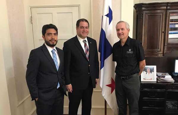 Luis Florido planteó a ministro en Panamá peticiones de venezolanos