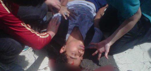 Joven manifestante resulta herido de bala en la cabeza | Foto: Twitter