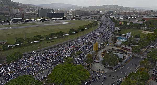 Marcha opositora 06-A | Foto: AFP