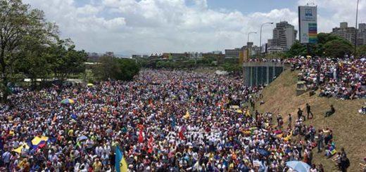 Este miércoles  la oposición marcha  Foto referencial