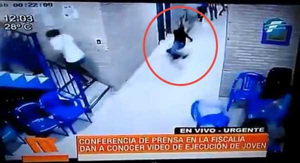 Policías asesinan a un joven en sede del PLRA en Paraguay   Foto: Captura de video
