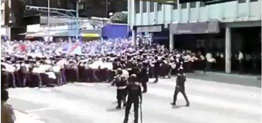 Piquete de la PNB impide paso a opositores | Foto: Captura de video
