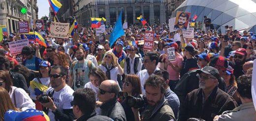 Venezolanos en España protestaron contra el gobierno de Maduro |Foto: @IbrahMatinez