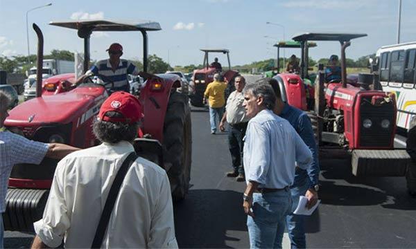 1705-agricultoresprotesta03