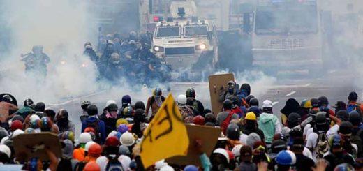 2017-05-08T221604Z_766942032_RC174D5ABCA0_RTRMADP_3_VENEZUELA-POLITICS